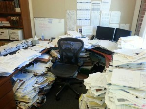 messy-office
